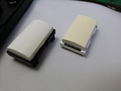 防音のゴムは日本版同様に取り付けてある