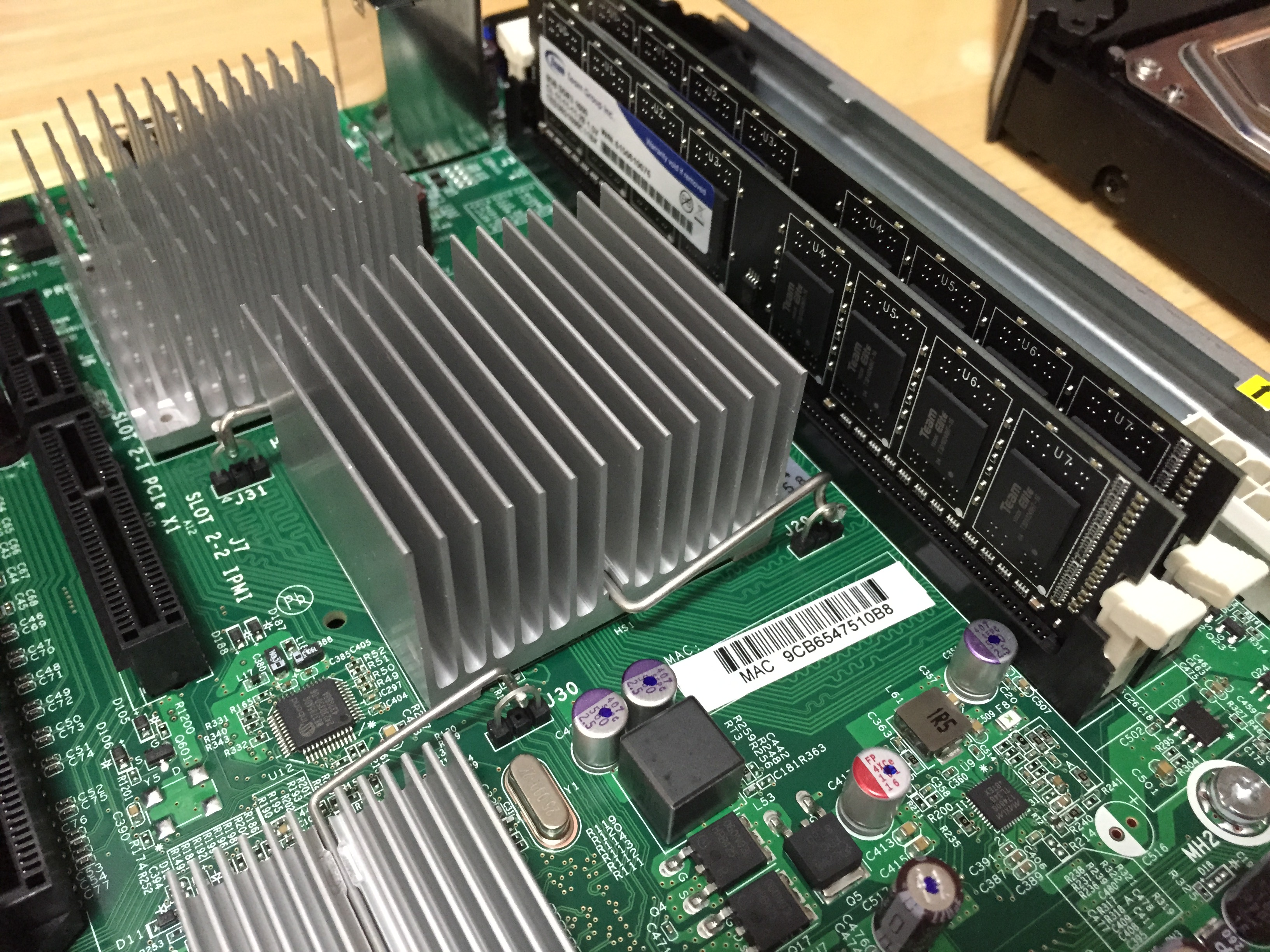 HP ProLiant MicroServer に ESXi6.0 を導入してサーバの仮想化